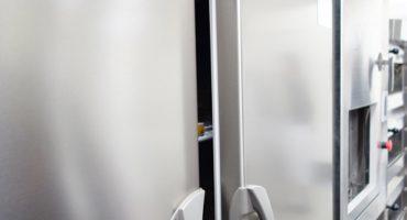 「結露」や「霜付き」の原因と対策~業務用冷蔵庫のよくあるトラブルを解決~